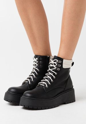 BOBBING MIXED - Platform ankle boots - black