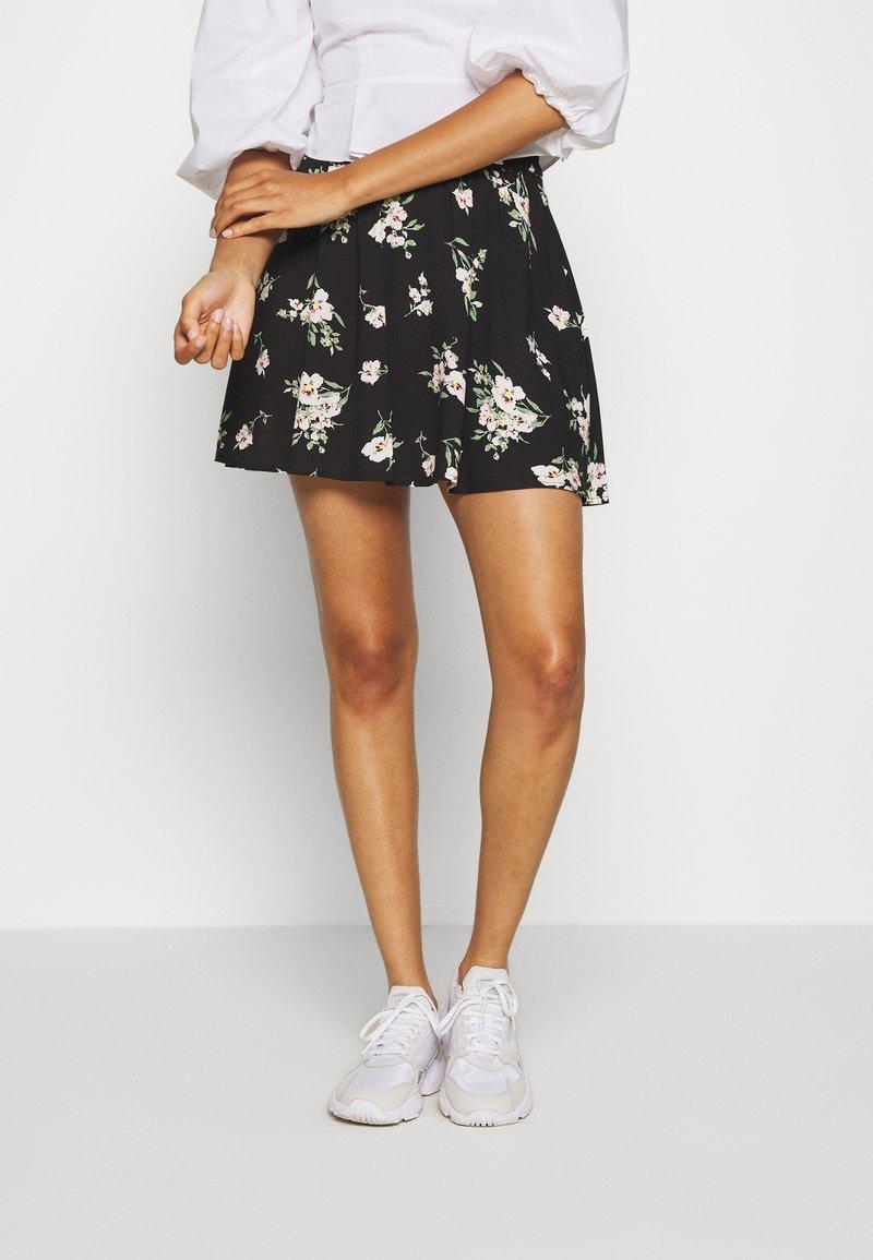 Vero Moda - VMSIMPLY EASY SKATER - A-line skirt - black