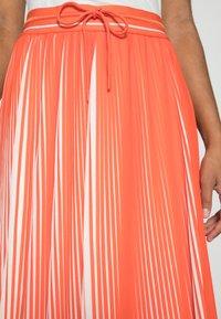 comma casual identity - Pleated skirt - orange - 4