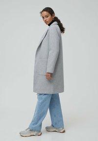 PULL&BEAR - Zimní kabát - grey - 2