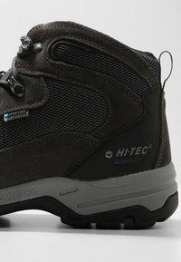 Hi-Tec - STORM WP - Chaussures de marche - charcoal/grey/majolica blue - 5