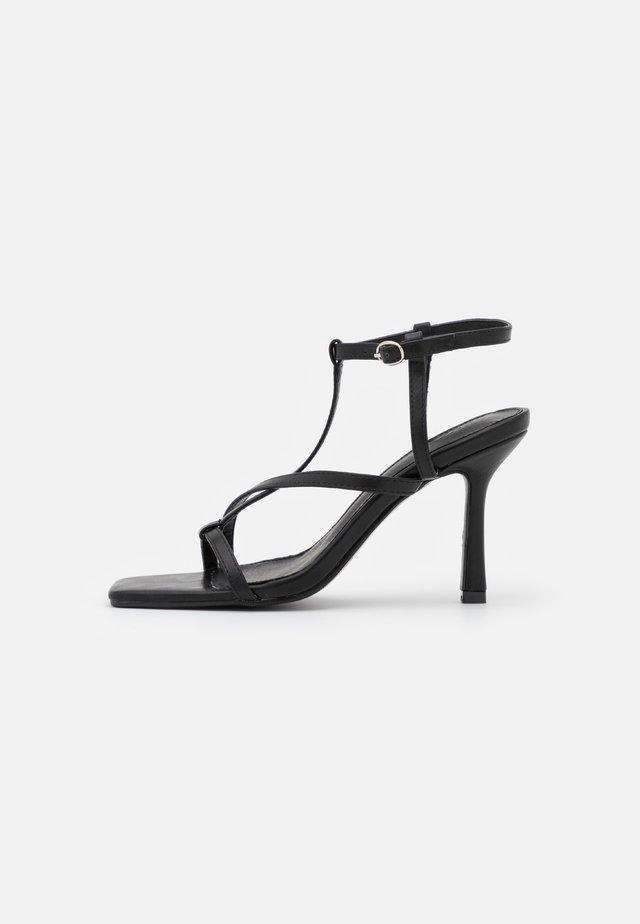 BOA - Sandales - black