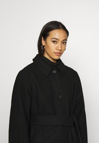 Monki - ROSIE COAT - Kåpe / frakk - black dark - 3