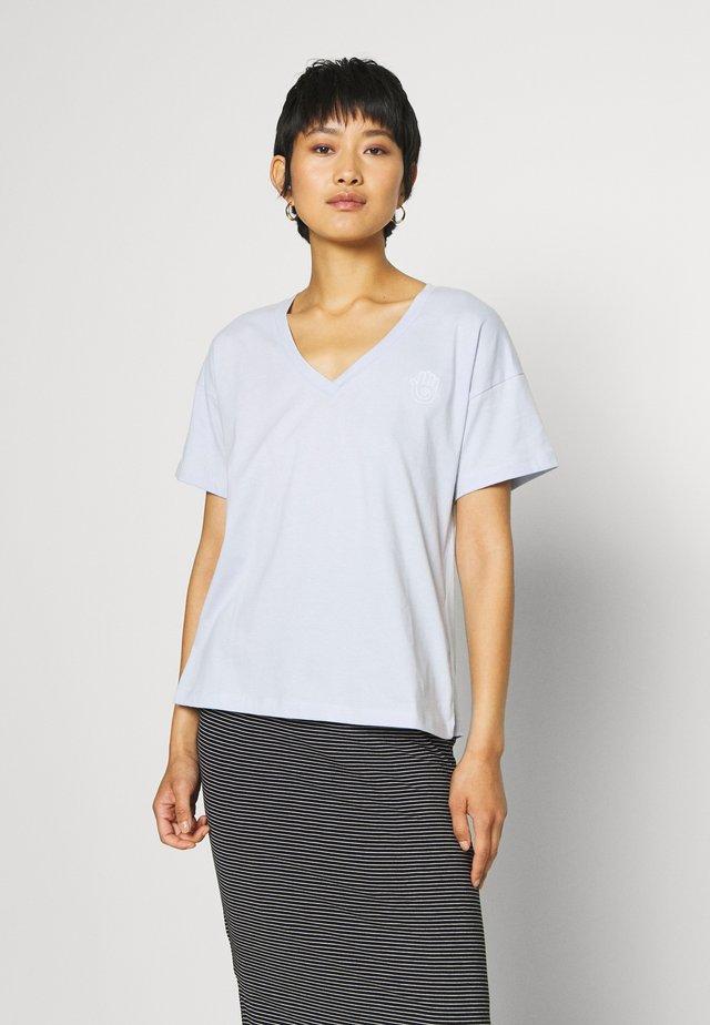 BLOSSOM TEE - T-shirt basique - xenon blue