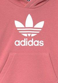 adidas Originals - TREFOIL HOODIE SET UNISEX - Verryttelypuku - hazy rose/white - 3