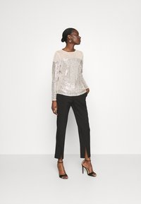 Dorothy Perkins - INSERT SEQUIN LONG SLEEVE - Blouse - champagne - 1