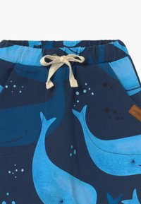 Walkiddy - BAGGY SMILING WHALES UNISEX - Pantalon classique - blue - 2