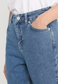 WHY7 - DANA - Relaxed fit jeans - light blue - 4