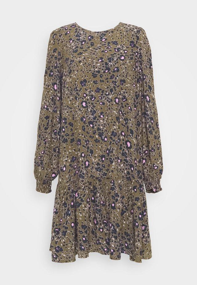 VMSANDRA ONECK SHORT DRESS - Hverdagskjoler - beech