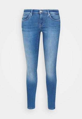 ONLSHAPE LIFE REG - Jeans Skinny Fit - light medium blue denim