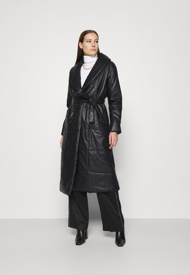 BELTED PUFFER COAT - Cappotto classico - black