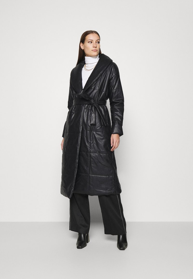 Who What Wear - BELTED PUFFER COAT - Classic coat - black