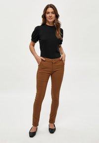 Minus - JOHANNA  - Basic T-shirt - black - 1