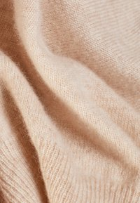 pure cashmere - CLASSIC CREW NECK  - Sweter - oatmeal - 4