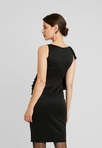 True Violet Maternity - RUFFLE PANEL BODYCON DRESS - Cocktailjurk - black - 3