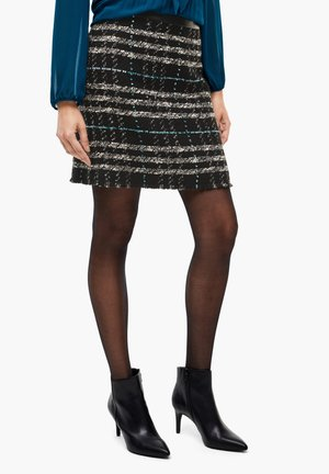 Pencil skirt - black check