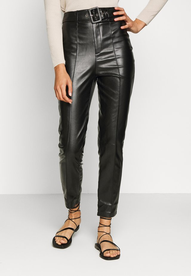BELTED SEAM DETAIL CIGARETTE TROUSER - Broek - black