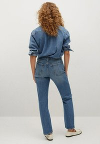 Mango - Relaxed fit jeans - medium blue - 2