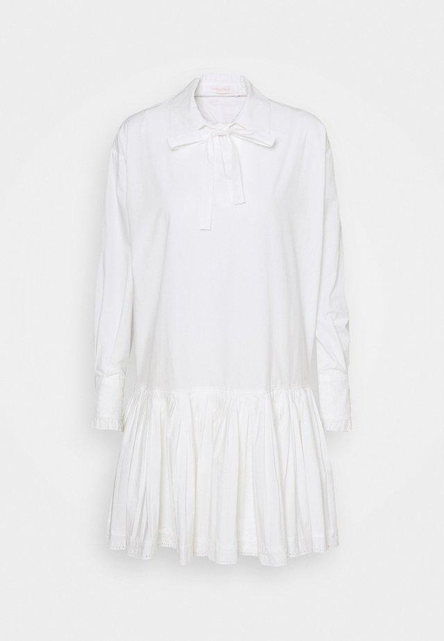 Robe chemise - confident white