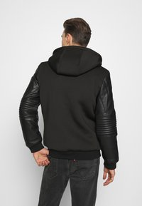 Guess - TECHNICAL HOODIE BOM - Faux leather jacket - jet black - 2