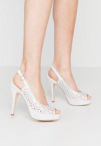 Menbur - Peeptoe heels - ivory - 0