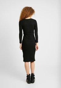 New Look - RIB BELTED MIDI - Pouzdrové šaty - black - 2