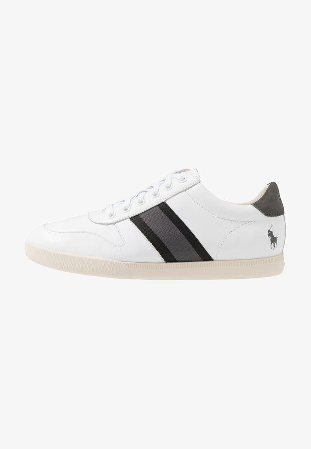 CAMILO - Zapatillas - white/black/grey