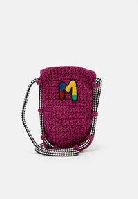 M Missoni - PORTACELLULARE - Taška spříčným popruhem - pink - 1