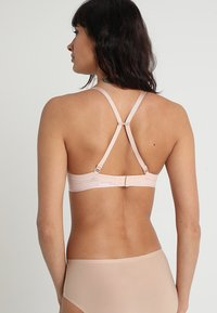 Chantelle - ABSOLUTE INVISIBLE - Push up -rintaliivit - beige doré - 3