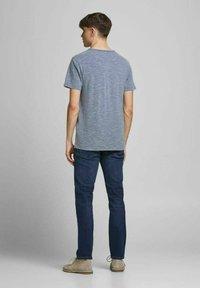 Jack & Jones PREMIUM - Basic T-shirt - limoges - 2
