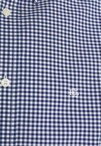 Lauren Ralph Lauren - SUPIMA STRECH REGULAR FIT - Shirt - navy - 2