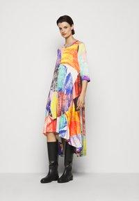 Henrik Vibskov - PULSE DRESS - Vestido informal - blurry lights print - 3