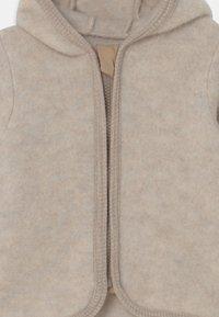 Huttelihut - JACKIE JACKET EARS UNISEX - Fleece jacket - camel - 2