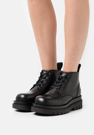 TERINA - Veterboots - black