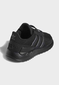 adidas Originals - LA TRAINER LITE SHOES - Scarpe primi passi - black - 3