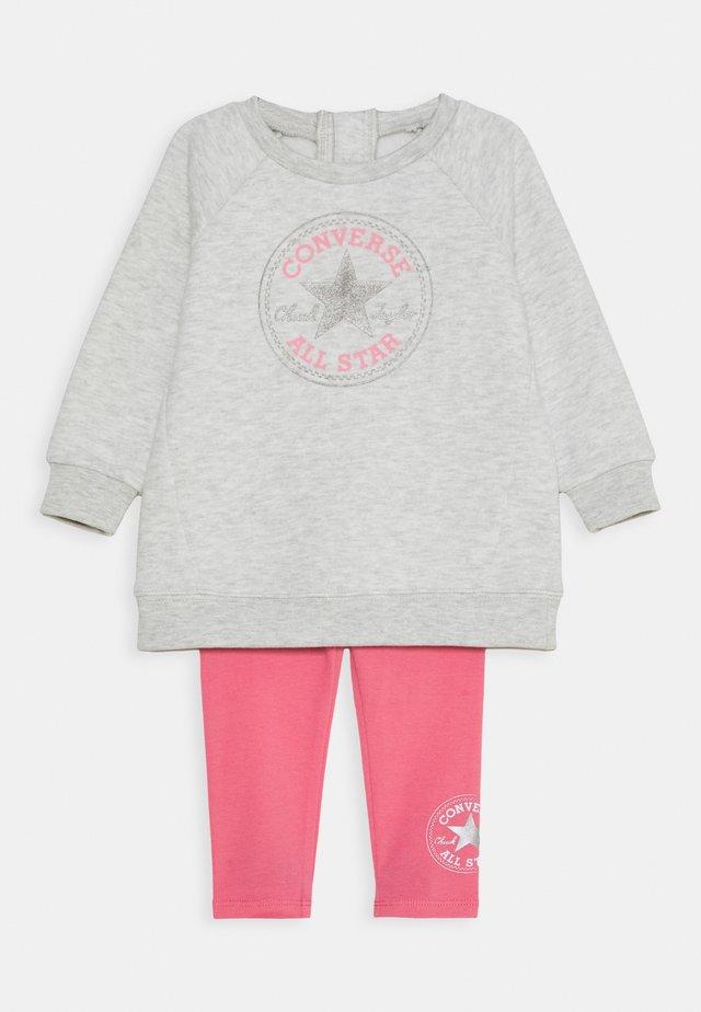 CREW SET - Sweatshirt - bright pink lemonade