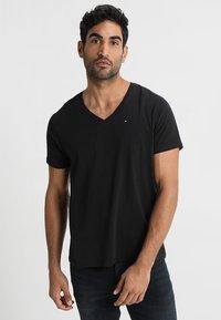 Tommy Jeans - ORIGINAL REGULAR FIT - T-shirt basic - black - 0