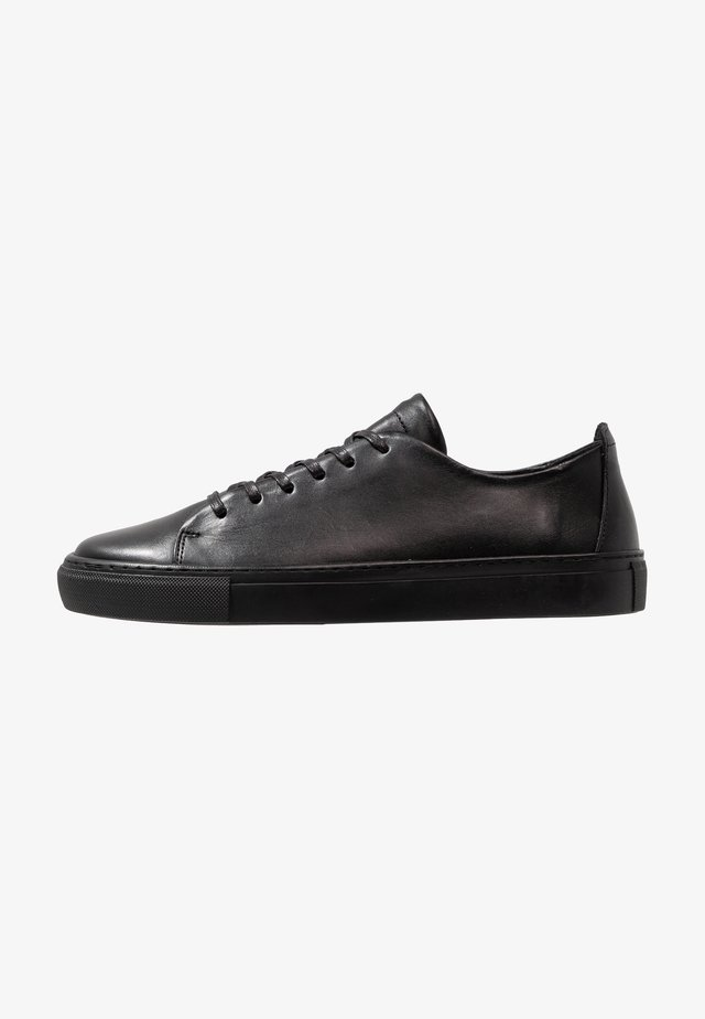 BIAAJAY LEATHER SNEAKER - Matalavartiset tennarit - black