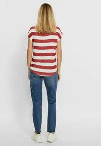 Vero Moda - VMWIDE STRIPE TOP  - Camiseta estampada - goji berry - 2
