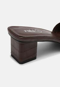 Rubi Shoes by Cotton On - CECIL - Heeled mules - choc - 5