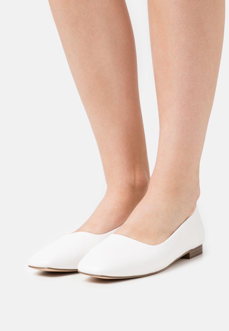 RAID - ELWOOD - Ballerinat - white