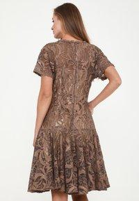 Madam-T - SACASA - Cocktail dress / Party dress - marron - 2