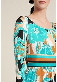 Luisa Spagnoli - Maxi dress - var turchese/geometrico - 2