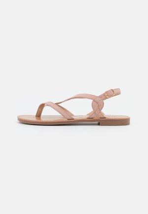 Sandály s odděleným palcem - light pink