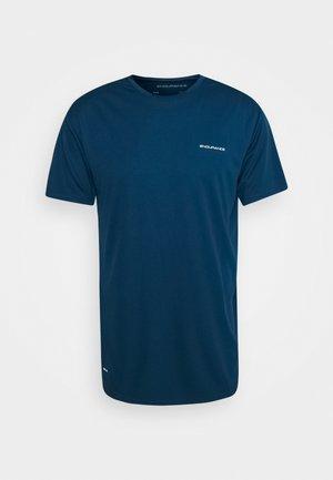 VERNON PERFORMANCE TEE - Print T-shirt - poseidon