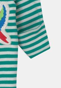 Frugi - DELIGHTFUL BABY GIFT SET UNISEX - Print T-shirt - green - 2