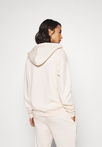 Missguided Petite - HOODIE AND JOGGER SET - Tracksuit - stone - 4