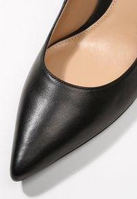 Lauren Ralph Lauren - SUPER SOFT LANETTE - Classic heels - black - 2