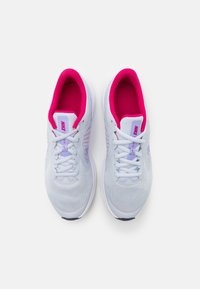 Nike Performance - DOWNSHIFTER - Neutral running shoes - football grey/purple pulse/thunder blue/white - 3