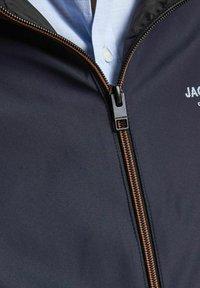 Jack & Jones - JJESEAM - Giacca leggera - navy blazer - 4